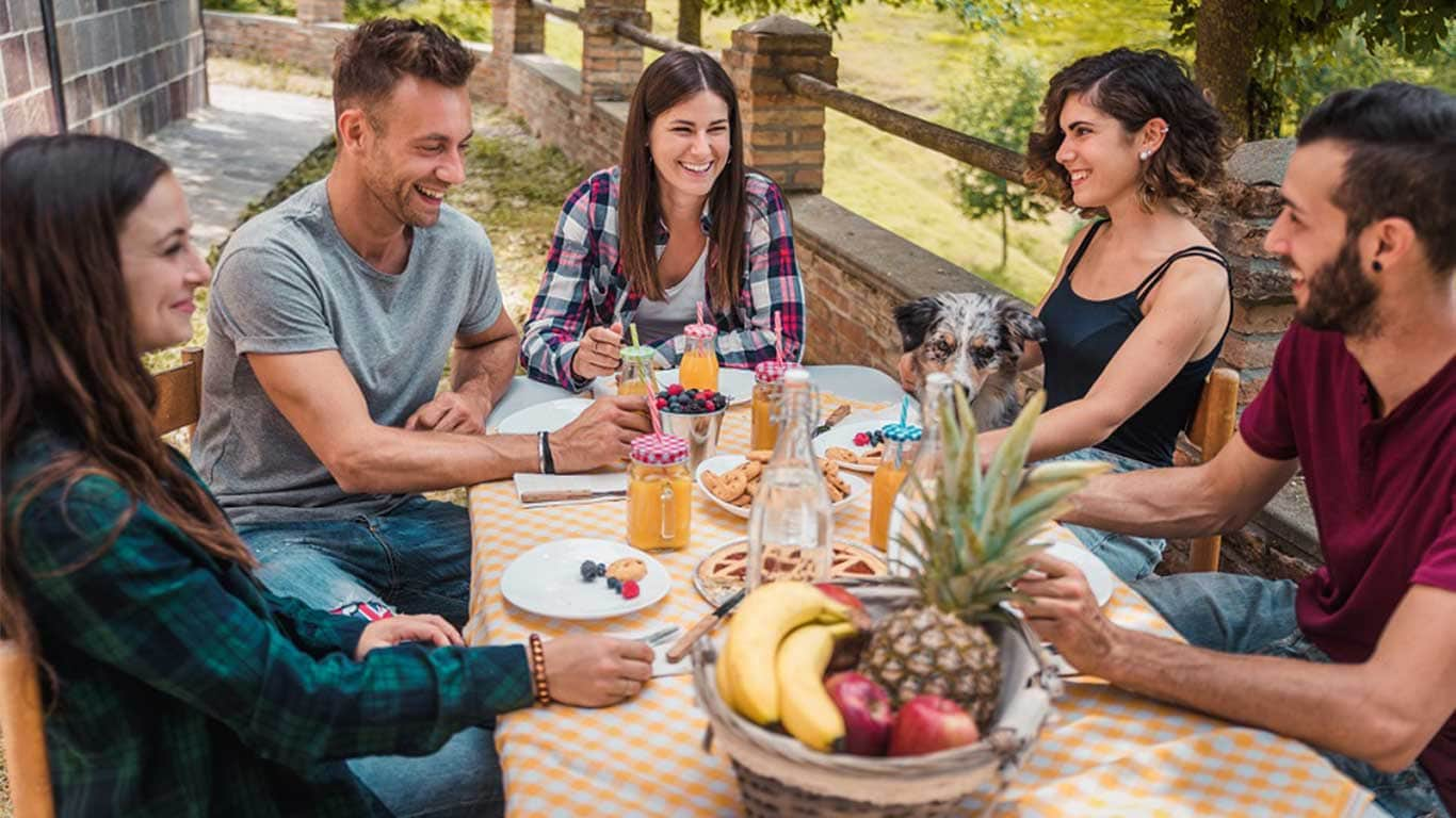 Smart Eating © oneinchpunch/Shutterstock.com