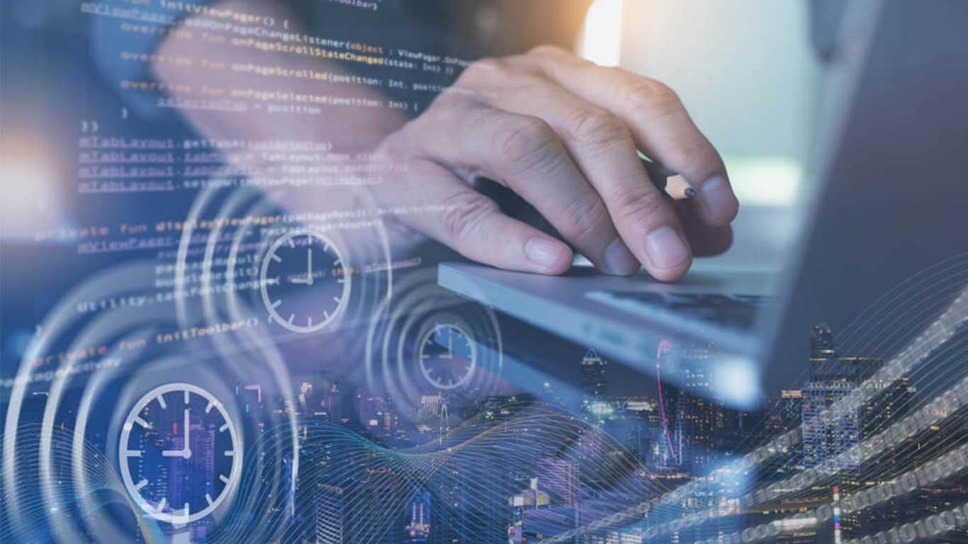 Produktdatenmanagement 4.0 © TippaPatt/Shutterstock.com